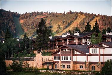 Stein_Eriksen_Lodge_Deer_Valley_Summer_Exterior_Spa_Runs-noSPA.jpg